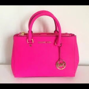 Michael Kors Sutton Pink Fuschia